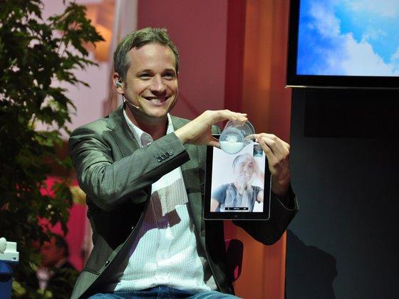 iPad-Zauberer Simon Pierro zaubert mit Facetime