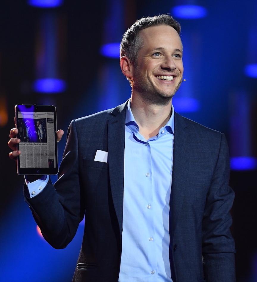 iPad Magier Simon Pierro Live